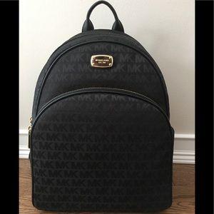 ⭐️LAST 1⭐️ NWT Michael Kors Abbey Backpack